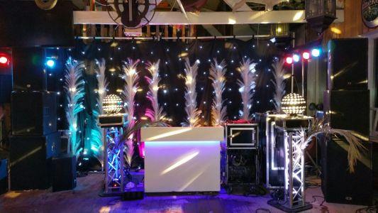 DJ Booth-70-1